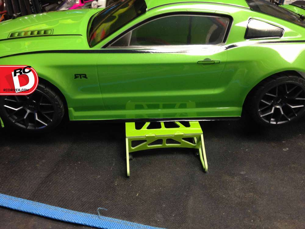 The Xtreme RC Racing Car Stand – A Perfect Match For The HPI E10 2014 Ford Mustang