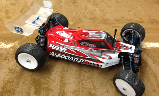 Team Associated B44.3 Build – Wheels, Tires and Body