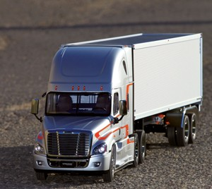 Review: Tamiya Freightliner Cascadia Evolution - RC Driver