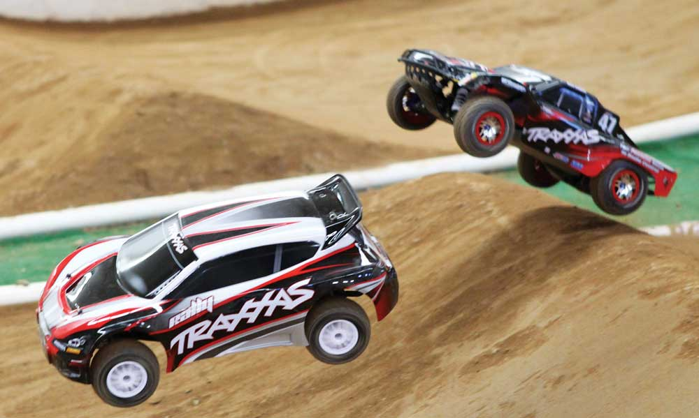 Traxxas Rally Vs Traxxas Slash 4x4
