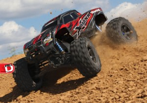 Traxxas - X-Maxx Electric Monster Truck_6 copy