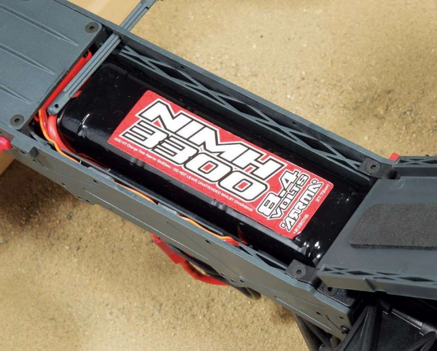 On the underside of the chassis is a quick access battery hatch that makes it possible to change the battery pack without needing to remove the body like you would find on other vehicles.
