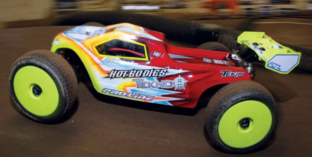 Hot-Bodies-D8Te---Ultra-Competitive-E-Truggy-Conversion-1