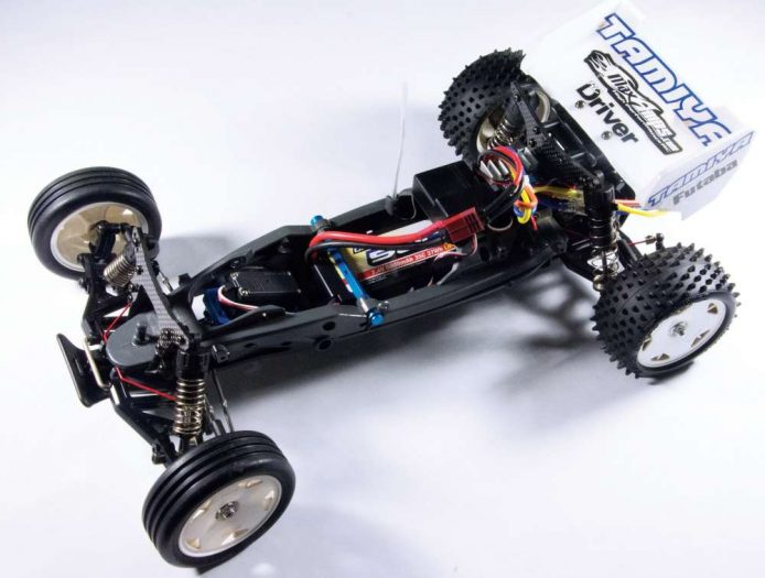 Tamiya-DT03-Goes-from-Entry-Level-to-High-Performance-RC-Buggy-27
