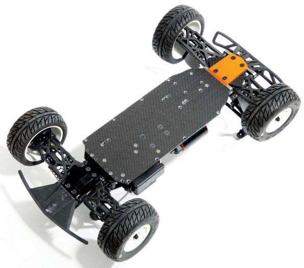 A view of the bottom of the chassis shows the true hybrid factor, aluminum front and carbon fiber main portion of the Xtreme Racing Chassis. The rear orange skid plate does a great job protecting the chassis, too.