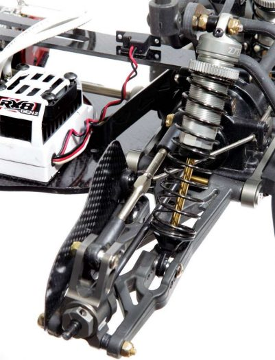 The aluminum Losi rear hubs are tough and have absolutely no flex. The thin carbon fiber mud guards from Xtreme Racing help keep the rear driveshafts clear of dirt and debris. They install easily and are lightweight so they do not impact the suspension action.