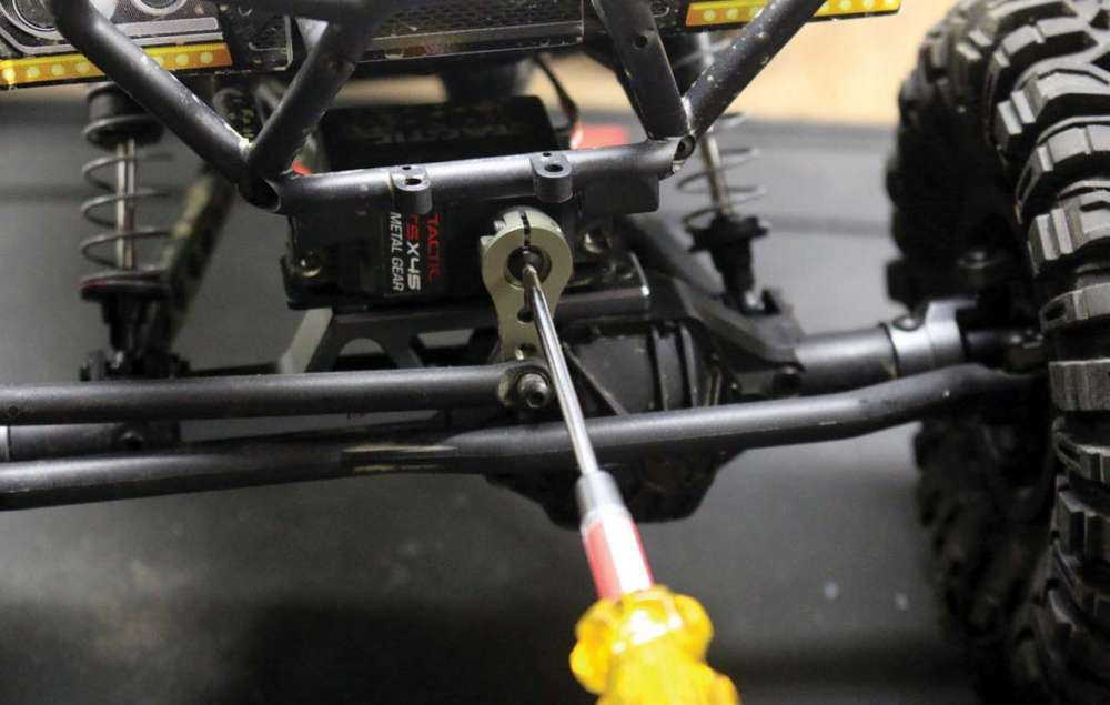 How-To-Install-New-Electronics-in-Your-RC-Vehicle-2