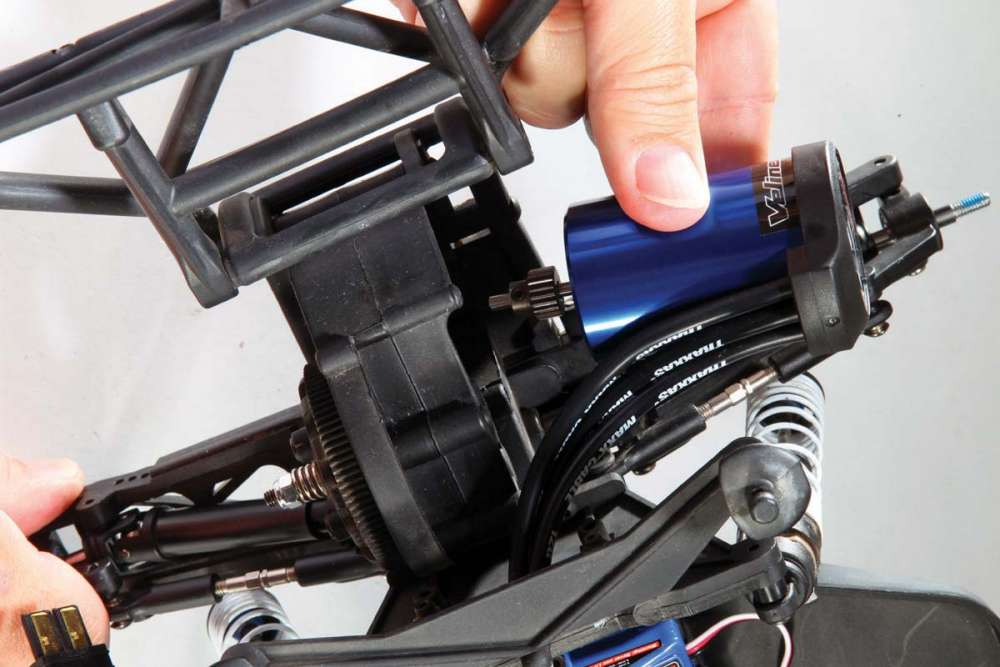 How-To-Install-New-Electronics-in-Your-RC-Vehicle-5