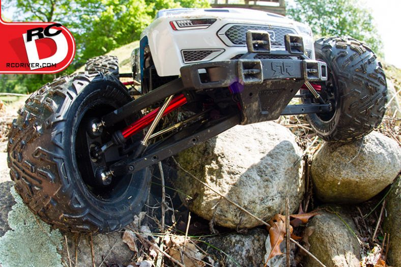 Nero-suspension-on-the-rocks