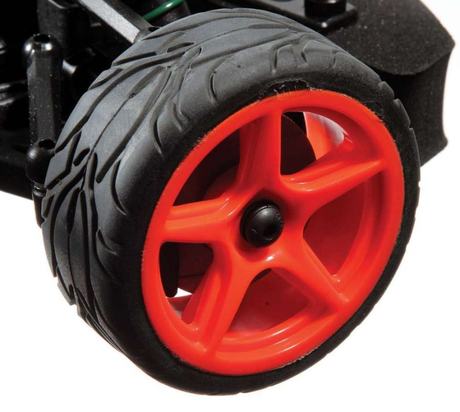 Cool, orange 5-spoke wheels match the bodies paint scheme and are wrapped with high-grip rac- ing tires.
