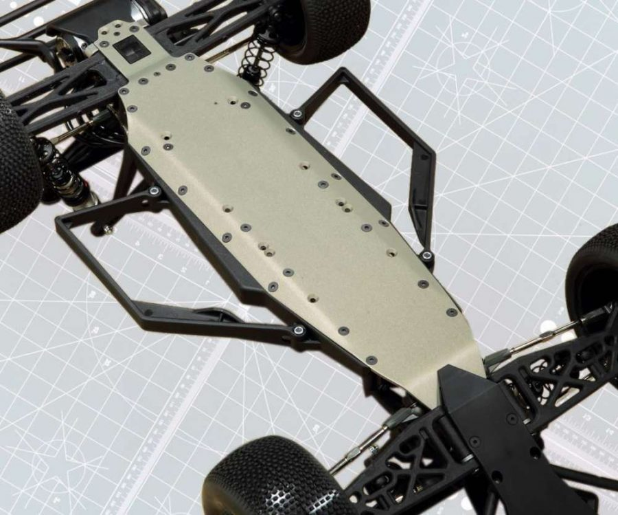 A new aluminum chassis plate graces the 2.0. It has the same basic shape as the first gen SCT, but this chassis is lighter thanks to more mill work on the top side.