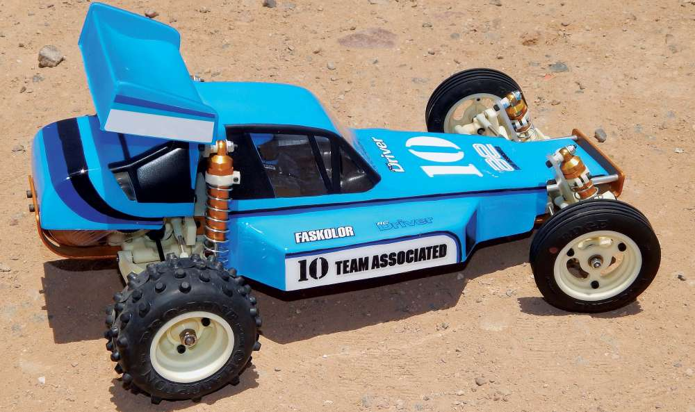 Easy-Paint-Job-for-your-Old-School-RC10-1