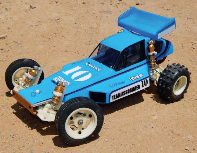 Easy-Paint-Job-for-your-Old-School-RC10-4