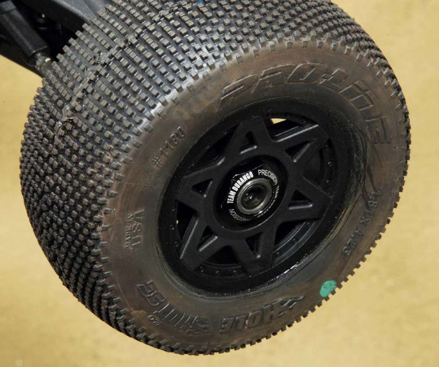 We grabbed the ARRMA Senton SC offset wheels to use on the truck since the DESC10 uses a 17mm wheel hex.