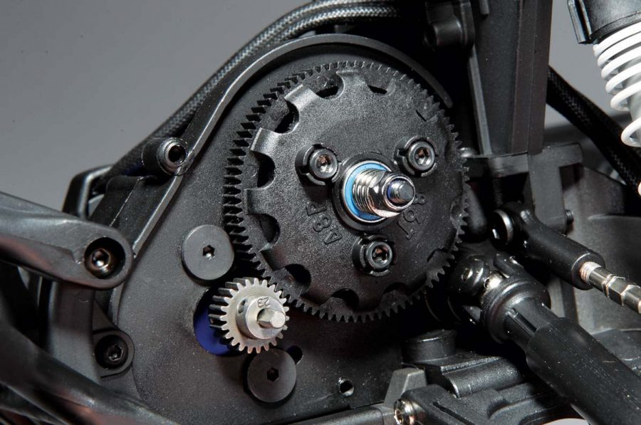 The Revo-Spec Torque-Control slipper clutch is more than up to the task of smoothing out the throttle response and protecting the gears inside the transmission of the Slash. Adjusting the slipper is as easy as simply popping a plug from the gear cover allows access to the adjusting nut.