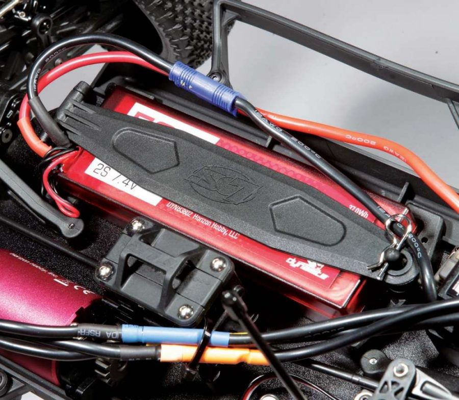The battery is held securely in place by a flip-up battery door. In stock form, the battery box can handle almost any 2S pack on the market. Want more power? Use the included risers and install a 3S LiPo!