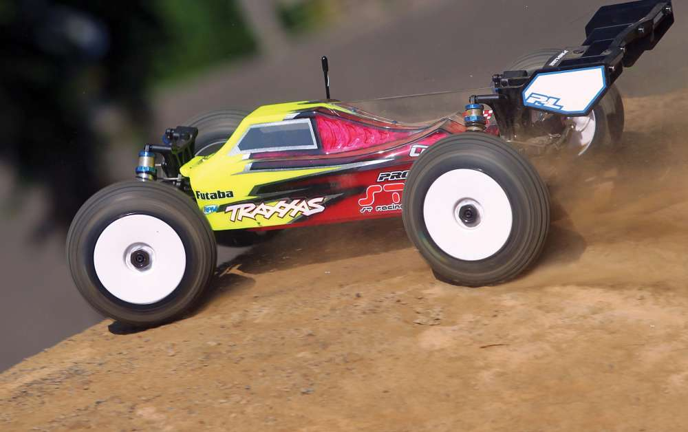 The Slash 1/8 E-Buggy Project