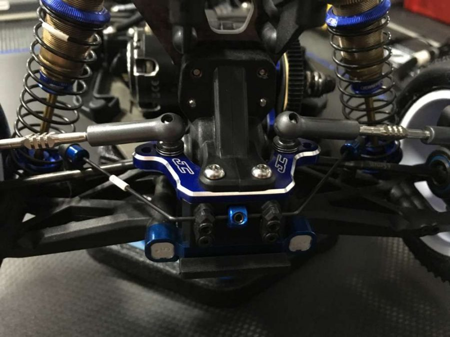 The ball stud mount from JConcepts is super strong, and looks great in blue with a jewel cut