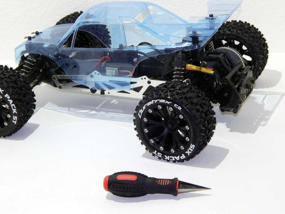 get-creative-get-painting-monster-truck-turned-buggy-17