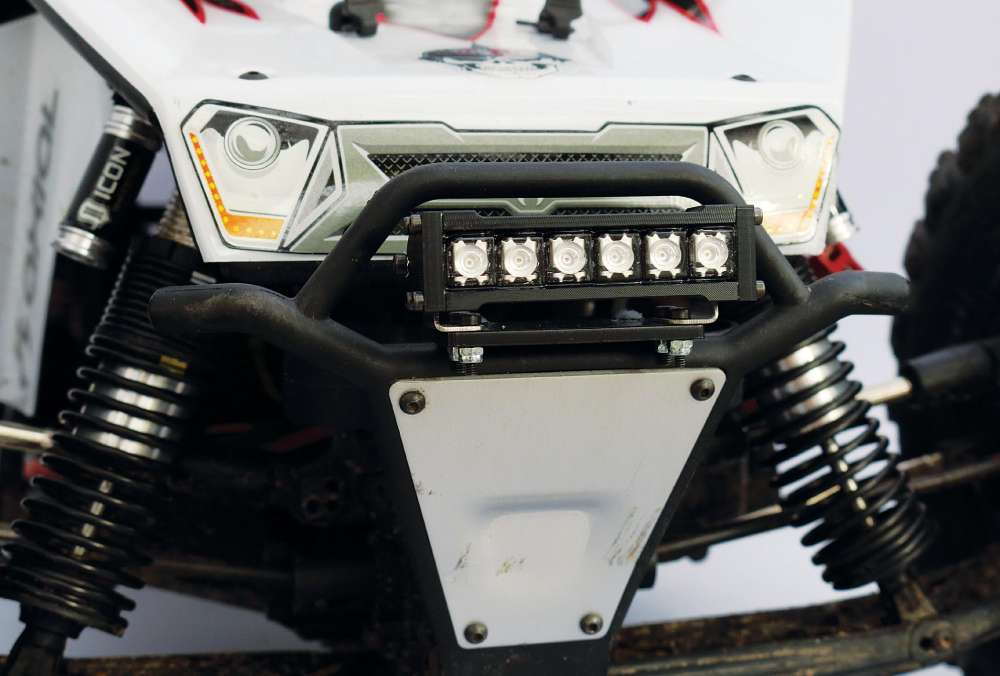 Installing Gear Head RC Lights on the Axial Yeti XL