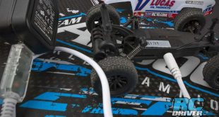 Team Associated SC28 USB Charger Cable_1