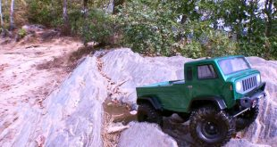 Axial SCX10 Mighty FC