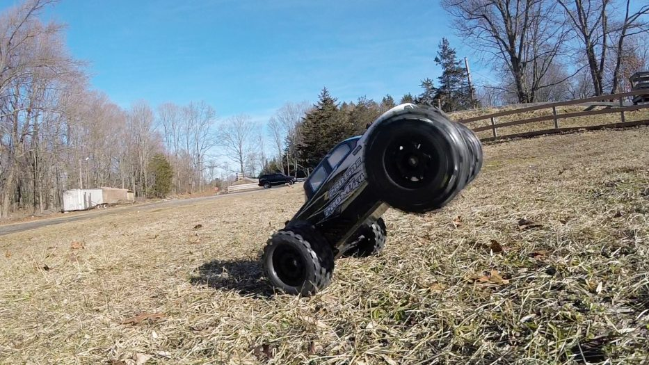 Top 10 Things We Love About the Pro-Line Racing PRO-MT 4x4