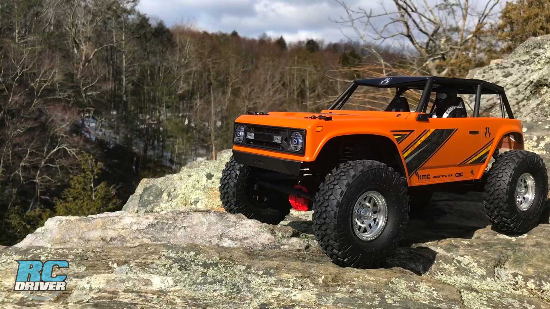 Axial Racing Wraith 1.9 4WD Scale Crawler Review & Action