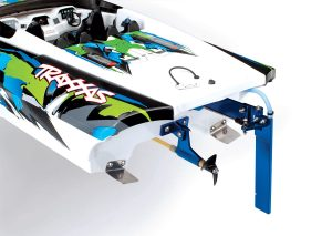 Traxxas DCB M41 Widebody catamaran
