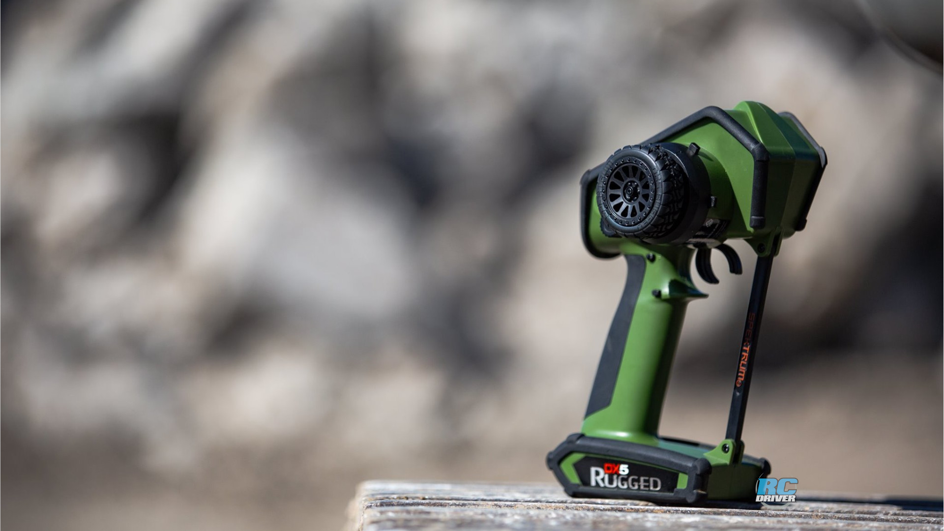 Spektrum DX5 Rugged Green special edition