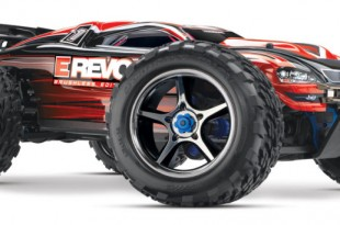 Traxxas E-Revo Brushless with Waterproof Electronics