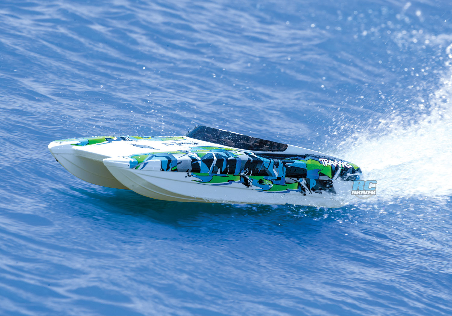 Traxxas DCB M41 Widebody catamaran gets a new look