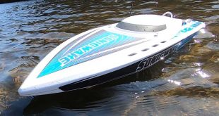 ProBoat Sonicwake Self-Righting Deep-V RTR Boat Review