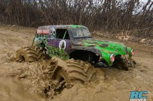Slow-Motion RC Monster Truck Action - Losi LMT